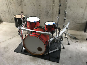Pearl export 4 pc drumkit/drumset with Pearl rack and cymbals