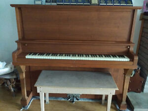 Piano ( in Excellent condition )