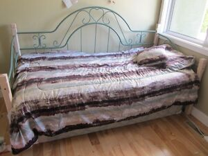 Daybed for sale