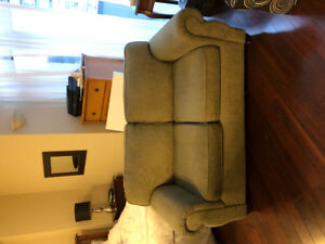 Selling cute loveseat for chillin!