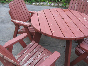 WOODEN PATIO SET $120.00 TABLE AND CHAIRS Cambridge Kitchener Area image 3