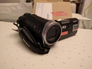 *NEW* Sony Handycam Camcorder (HDR-PJ340)