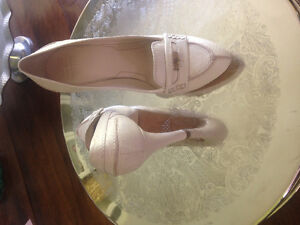 Womens shoes size 7 - Givenchy leather pumps