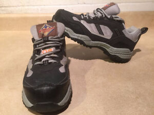 Women's Workload Steel Toe Work Shoes Size 4