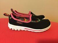 Skechers go walk size 11