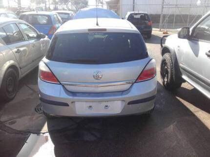 Holden astra 2005 ah auto wrecking for parts wrecking gumtree holden astra ah 2007 wrecking for parts gold fandeluxe Gallery