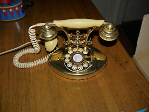 Cutie french stly telephone