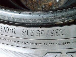 pneus hivers 235-55-18 et 225-60-18 toyo obserev go-2  11/32
