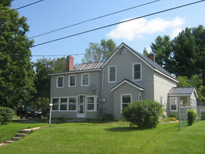 STIRLING-3 BDRM HOUSE FOR RENT- $1600 ALL INCLUSIVE- JUNE 1