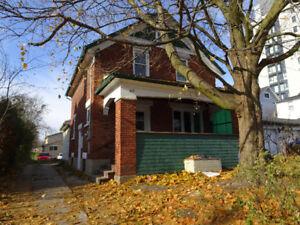 109 Regina St N in Waterloo, Licensed Student Rental