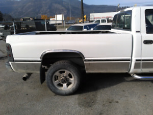 ***Rust free*** 2nd gen Dodge ram box and tail gate 8ft