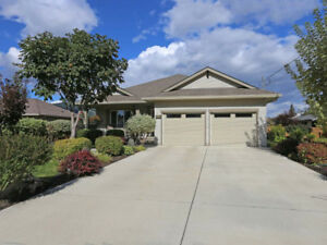 Gorgeous Home W/ Beautifully Landscaped Yard, Barriere