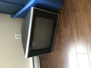 Magnasonic TV 24 inch perfect for gaming on older systems