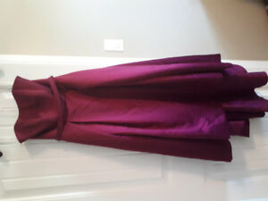 Bridesmaid dress size 2. Worn once.                  $200