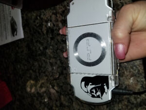 PSP 2000 Limted Edition plus 3 games