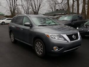 2016 Nissan Pathfinder AWD SV A/C MAGS
