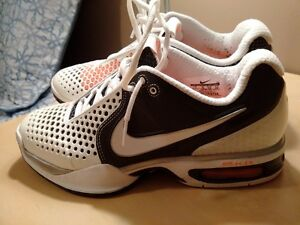 Nike Air Max Tennis Shoes 7