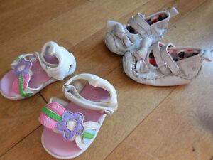 Lot souliers bébé fille différentes grandeurs