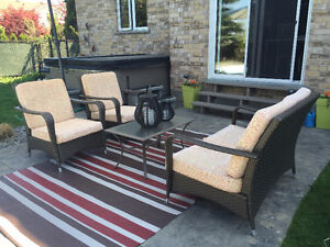 Patio set with outdoor carpet