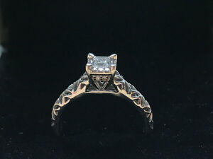 Beautiful Brand New 14K White Gold Diamond Ring