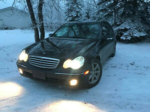 2006 Mercedes-Benz C-Class C350  4matic Sedan
