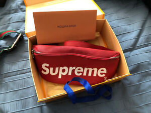 LIMITED EDITION! Louis Vuitton X Supreme pouch (Red)