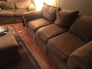 Pending sale: BIG COMFY COUCH!!