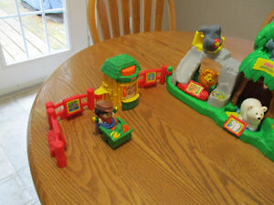 Fisher-Price Little People Musical Zoo London Ontario image 2