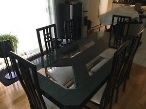 """Italian solid wood dining room  table with 6 chairs from """"Lida"""" West Island Greater Montréal image 1"""