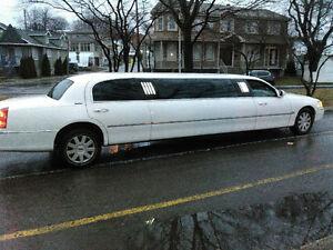 2005 Lincoln Town Car limousine Autre