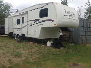 2004 31ft keystone Laredo