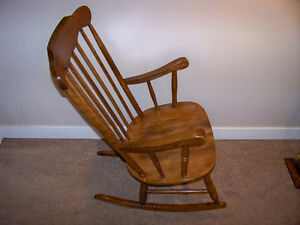ROCKING CHAIR ***NOW FIRST $37 GETS IT***