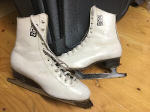 3 paires patins pour femme CCM differents prix