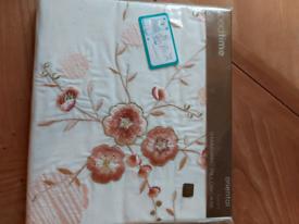 Pillowcase 1 pair £6