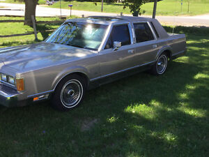 Classic Southern rust free Lincoln Town Car