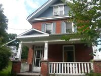 TRENT STUDENT!!!!! GREAT 1 BEDROOM APARTMENT UNLIMITED INTERNET