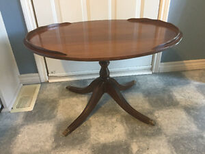 Vintage Oval Duncan Phyfe Coffee Table