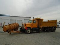 2002 International 2574 snow plow sander dump truck
