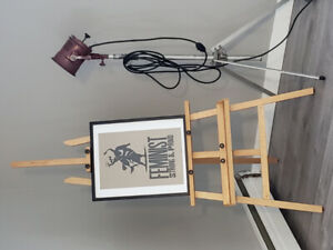 Large Easel - Near Mint