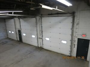 INDUSTRIAL WAREHOUSE SHOP, 14' TRUCK BAY DOORS, SECURE YARD