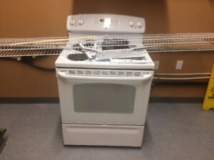 GE Convection Self Cleaning Stove/Oven