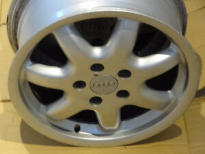 4 MAGS AUDI 16 INCH 16 POUCE 5X112 + 4 NEW VALVES   NO TEXTING