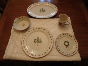 """Merry Bright """"Holiday Home"""" Christmas Dishes"""
