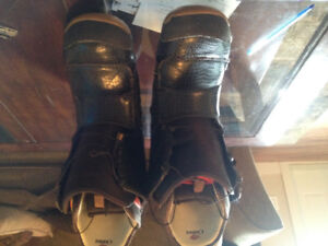 Snow bored boots for safe hardly used
