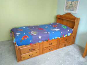 Mates bed (twin) and desk set
