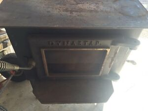 Dynastar wood stove w/fan.