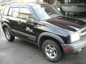 2003 Chevrolet Tracker SUV ZR2  4X4