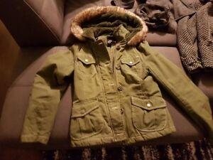 Manteaux d'hiver pour femme enceinte en excellente état