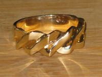 PRICE REDUCED: 10k unique gold ring, size 10