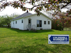 Cozy 2 bedroom home or cottage with dry baseent and 1.5 acres